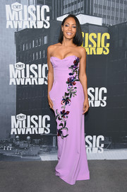 Jada Pinkett Smith was feminine and sophisticated in a strapless, floral-embroidered lilac gown by Carolina Herrera at the 2017 CMT Music Awards.