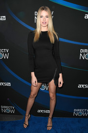 Hailey Clauson flaunted her figure in a form-fitting LBD at the 2017 DIRECTV NOW Super Saturday Night concert.