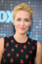 Gillian Anderson styled her hair into a loose bun for the 2017 Fox Upfront.