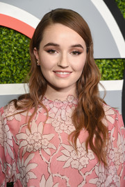 Kaitlyn Dever looked vintage-chic with her loose side-parted waves at the 2017 GQ Men of the Year party.