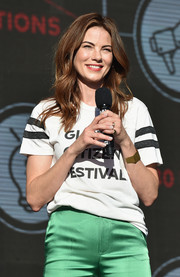 Michelle Monaghan accessorized with a gold cuff bracelet at the 2017 Global Citizen Festival.