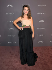 Billie Lourd chose a two-tone Gucci gown with a flower-accented waist for the 2017 LACMA Art + Film Gala.