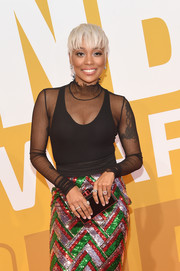 Monica attended the 2017 NBA Awards carrying a black and red box clutch.
