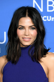 Jenna Dewan-Tatum wore her hair in a messy, flippy style at the 2017 NBCUniversal Upfront.