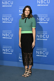 Mandy Moore kept it casual and comfy up top in a patterned knit shirt by Diane von Furstenberg at the 2017 NBCUniversal Upfront.
