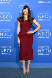 Jessica Biel stayed classy in a wine-red peplum midi dress by Roland Mouret at the 2017 NBCUniversal Upfront.