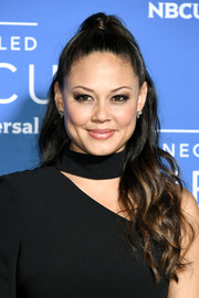 Vanessa Lachey styled her hair into a half-up wavy 'do for the 2017 NBCUniversal Upfront.