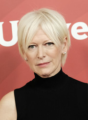 Joanna Coles attended the 2017 NBCUniversal Winter Press Tour wearing a short 'do with parted bangs.