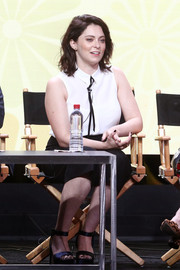 Rachel Bloom kept it simple in a sleeveless white button-down at the 2017 Summer TCA Tour.
