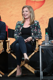 Emily VanCamp paired a floral blazer with skinny jeans for the 2017 Summer TCA Tour.