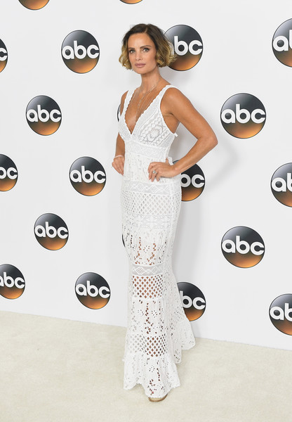 Gabrielle Anwar looked gorgeous in a plunging white maxi dress at the 2017 Summer TCA Tour.