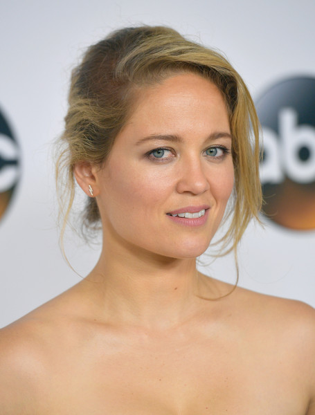 Erika Christensen wore a messy-sexy updo at the 2017 Summer TCA Tour.