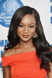 Deshauna Barber looked perfectly sweet with her long wavy hairstyle at the UN Women for Peace Association luncheon.