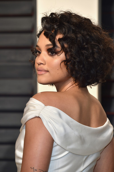 More Pics of Kiersey Clemons Gold Hoops (1 of 5) - Hoop Earrings Lookbook - StyleBistro [oscar party,vanity fair,hair,shoulder,hairstyle,chin,beauty,joint,lady,black hair,neck,lip,beverly hills,california,wallis annenberg center for the performing arts,kiersey clemons,graydon carter - arrivals,graydon carter]