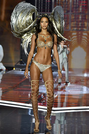 Lais Ribeiro walked the 2017 Victoria's Secret fashion show wearing white lace panties with the stunning Champagne Nights Fantasy Bra!