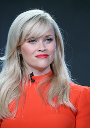 Reese Witherspoon looked oh-so-pretty with her loose waves and side-swept bangs at the 2017 Winter TCA Tour.