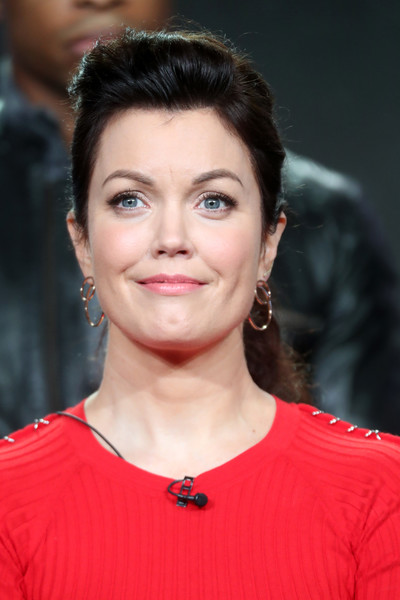 Bellamy Young sported a vintage-chic ponytail at the 2017 Winter TCA Tour.