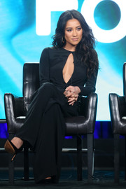 Shay Mitchell was sexy and sophisticated in a black keyhole-cutout jumpsuit at the 2017 Winter TCA Tour.