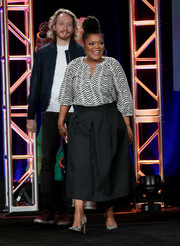 Yvette Nicole Brown donned a black-and-white zigzag-print blouse for the 2017 Winter TCA Tour.
