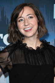Kristen Schaal wore her hair in a wavy bob at the 2017 Winter TCA Tour.