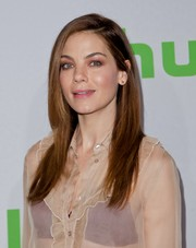 Michelle Monaghan attended the 2017 Hulu TCA Winter Press Tour wearing her hair in a neat layered cut.