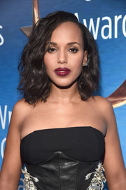 Kerry Washington was all about easy glamour with this shoulder-length curly 'do at the Writers Guild Awards.