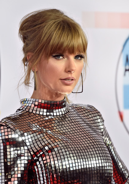 The Fashion Evolution of Taylor Swift