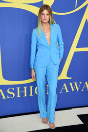 Constance Jablonski chose a perfectly tailored Frame suit in a cool blue color for the 2018 CFDA Fashion Awards.