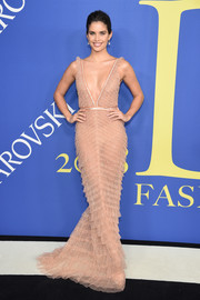Sara Sampaio brought plenty of allure to the 2018 CFDA Fashion Awards with this plunging nude gown by J. Mendel.