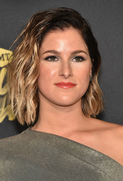 Cassadee Pope went edgy with this messy ombre 'do at the 2018 CMT Music Awards.