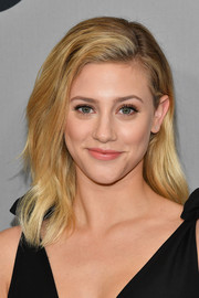 Lili Reinhart sported a subtly wavy layered cut at the 2018 CW Network Upfront.