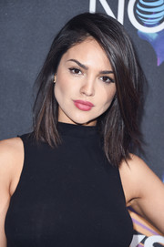 Eiza Gonzalez kept it classic with this mid-length bob at the 2018 DirecTV Now Super Saturday Night concert.