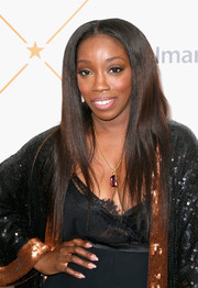 Estelle sported a sleek layered hairstyle at the Essence Black Women in Hollywood Awards.