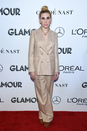 Zosia Mamet opted for a double-breasted beige pantsuit by Max Mara when she attended the 2018 Glamour Women of the Year Awards.