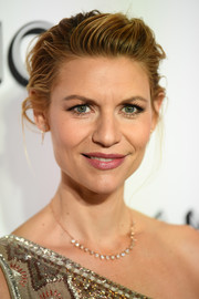 Claire Danes channeled her inner rockstar with this messy pompadour at the 2018 Glamour Women of the Year Awards.