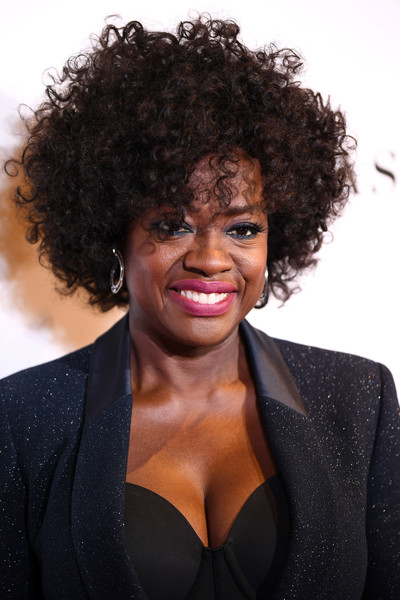 Viola Davis looked super cool with her high-volume curls at the 2018 Glamour Women of the Year Awards.