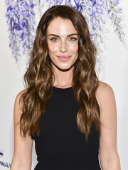 Jessica Lowndes wore her hair in lush waves at the 2018 Hallmark Channel Summer TCA event.