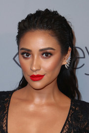 Shay Mitchell added some razzle-dazzle with a diamond ear cuff by Messika.
