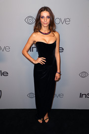 Angela Sarafyan worked a skintight strapless velvet gown by Ester Abner at the Warner Bros. and InStyle Golden Globes after-party.