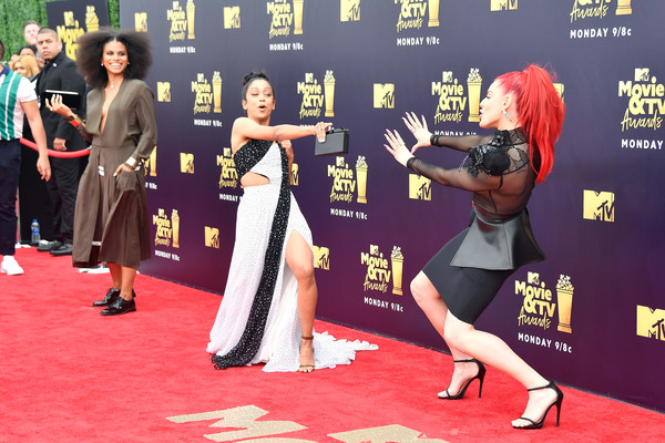 More Pics of Zazie Beetz Midi Dress (1 of 8) - Dresses & Skirts Lookbook - StyleBistro [movie,red carpet,carpet,flooring,premiere,event,dress,justina valentine,actors,liza koshy,zazie beetz,tv awards,l-r,santa monica,california,mtv]