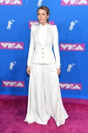 Blake Lively channeled her inner showman in a white wide-leg tuxedo by Ralph & Russo Couture at the 2018 MTV VMAs.