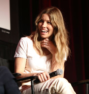 Jessica Biel kept it simple in a white T-shirt at the 2018 Makers Conference.