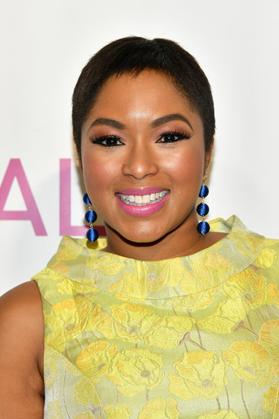 Alicia Quarles was casual and cute with her pixie cut at the 2018 National Retail Federation Gala.
