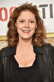Susan Sarandon attended the 2018 Roc Nation brunch wearing her usual shoulder-length curls.