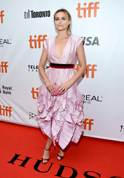 Taylor Schilling paired her dress with metallic purple sandals by Casadei.