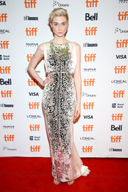 Elizabeth Debicki glammed up in a beaded column dress by Schiaparelli Couture for the TIFF premiere of 'Vita and Virginia.'