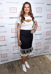 Brooke Shields kept it casual and fun in a lip-motif tee with fringed sleeves at the 2018 TriBeCa Ball.