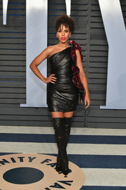 Kerry Washington went rocker-chic in an Alexandre Vauthier one-shoulder leather LBD with fuchsia sequin detailing at the 2018 Vanity Fair Oscar party.