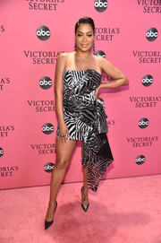 La La Anthony dazzled in a strapless zebra-sequined mini dress by Halpern at the 2018 Victoria's Secret fashion show.