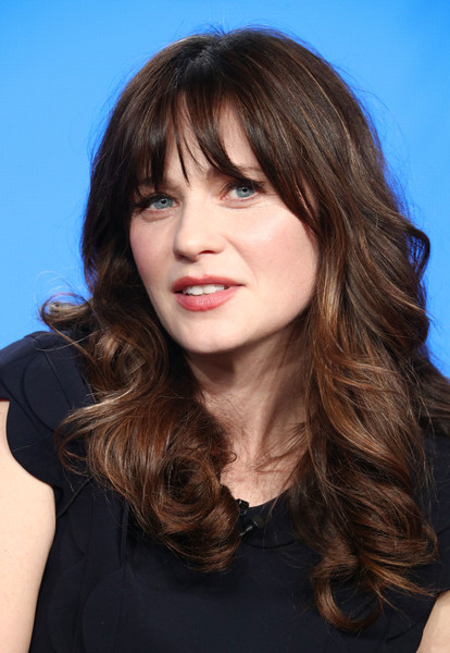 more pics of zooey deschanel long curls with bangs 7 of